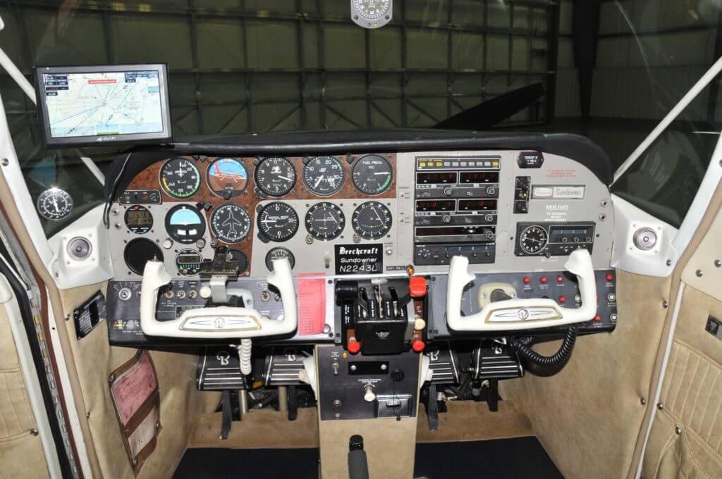 1977 Beechcraft Sundowner Instrument Panel.