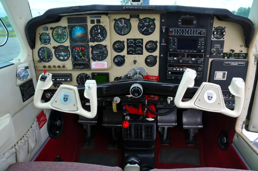 1992 Beechcraft Bonanza F33A instrument panel.