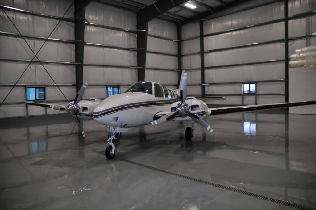 Beechcraft Baron 58.